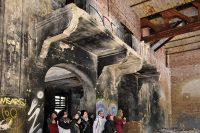 ©Baum&Zeit Baumkronenpfad Beelitz-Heilstätten Ruine Alpenhaus Speisesaal Gruppe im Winter