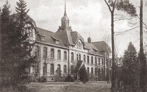 Baum&Zeit Baumkronenpfad Beelitz-Heilstätten historische Aufnahme A4 Frauenpavillon